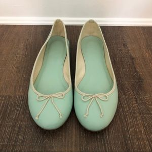 J.CREW CLASSIC BALLET FLATS IN MINT SIZE 9.5